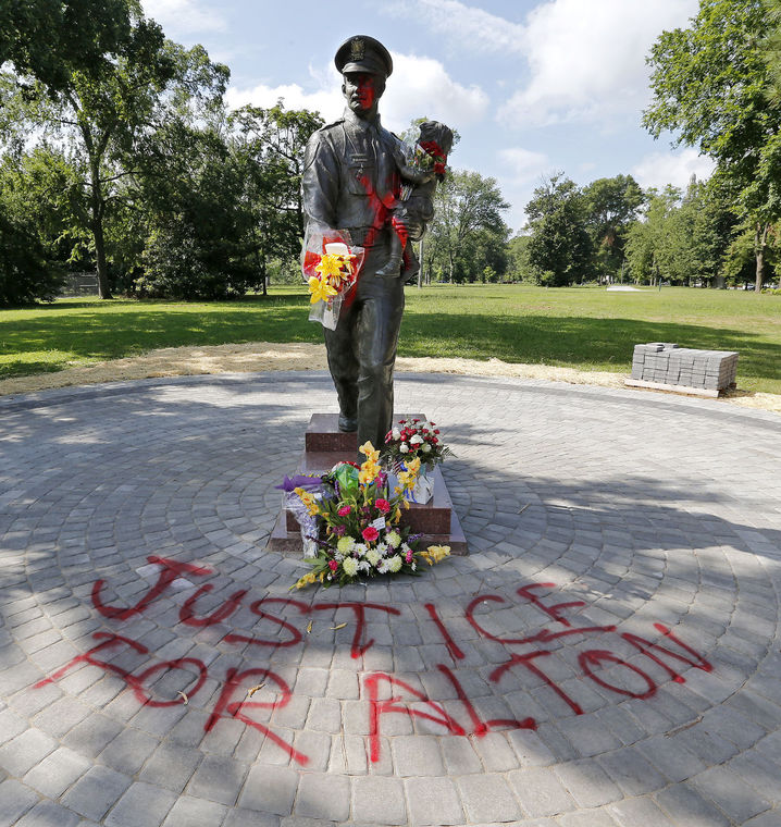 Policememorialvandalized